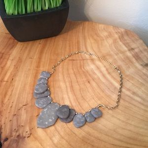 Jewelry - Gray statement necklace